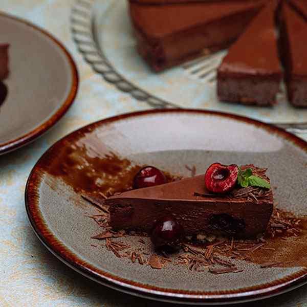 MENUSERVER GLUTEN FREE VEGAN CHOCOLATE & CHERRY CHEESECAKE SLICED 1x14ptn